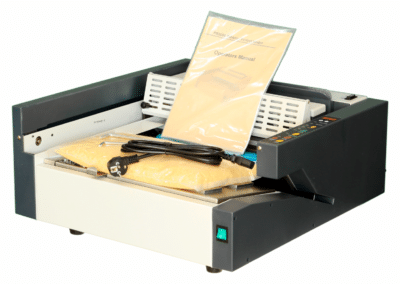 Masina brosat ARTTER PB2000 - Masina de brosat manuala cu termoclei - Europaper Brasov - Utilaje Finisare Print